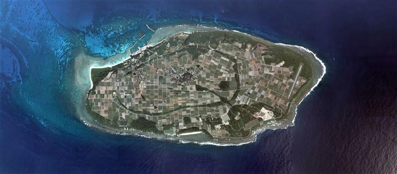 一艘中國海洋調查船2日上午進入日本沖繩縣波照間島海域,被日本海上保安本部巡邏船發現。圖為日本波照間島。(圖取自維基百科共享資源,作者日本國土地理院,Attribution)