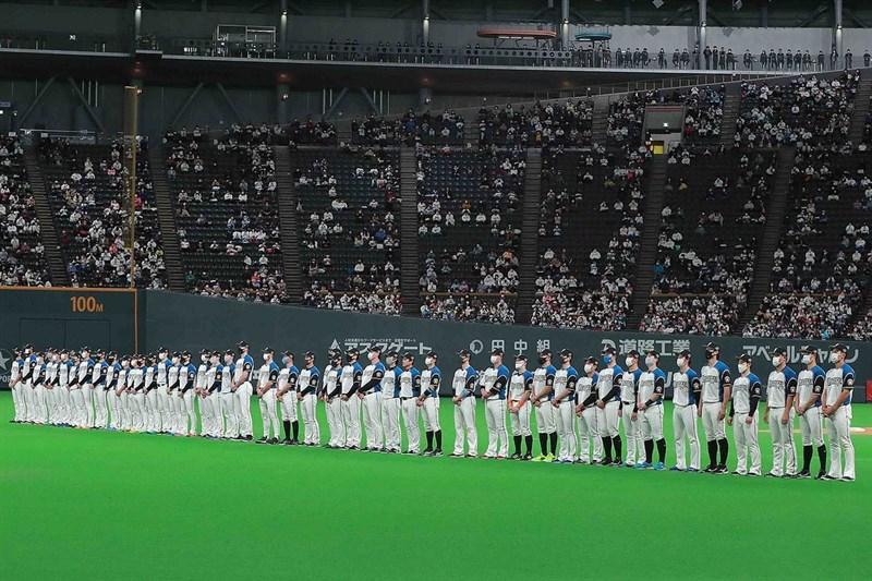 日本讀賣新聞報導,以北海道為據點的日本職棒火腿隊共有13人確診,札幌市保健所已認定為群聚感染。(圖取自instagram.com/fighters_official)