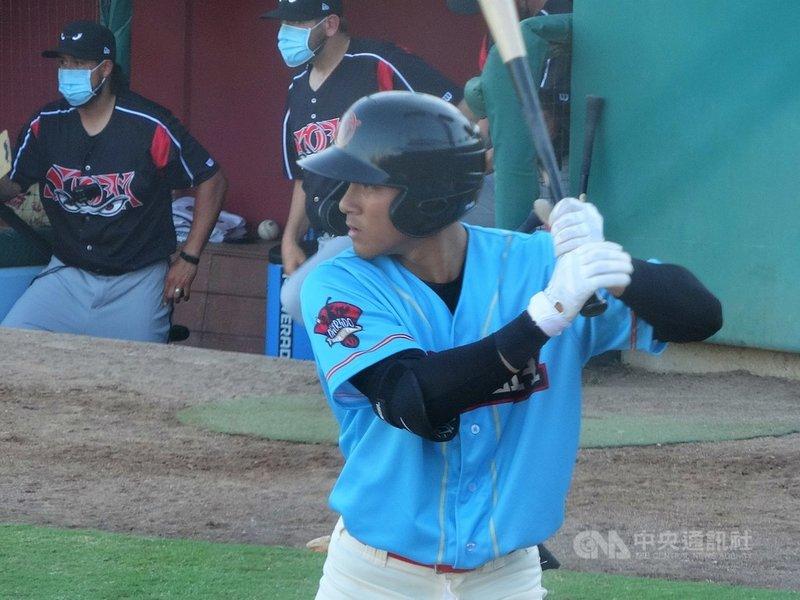台灣棒球選手陳聖平(圖)旅美展開小聯盟生涯,透過隊友林家正的協助,他體會到美國球隊注重溝通,教練喜歡幫助願意開口的球員。中央社記者林宏翰加州維塞利亞攝 110年5月8日
