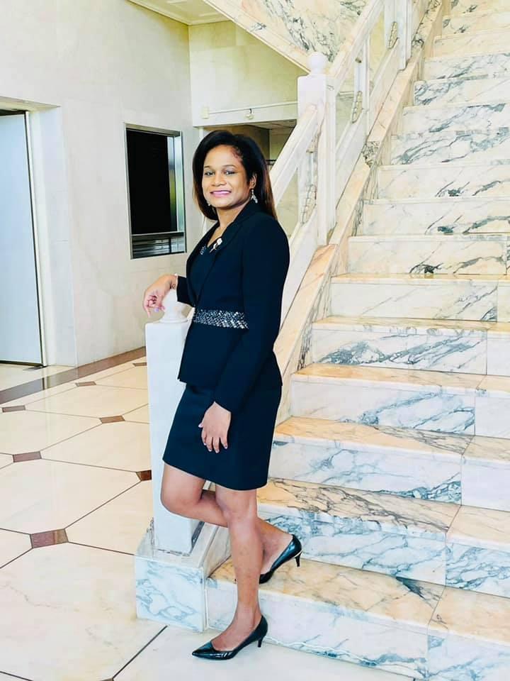 貝里斯駐台大使碧坎蒂近日受訪表示,她來自貝國較貧困的地區,由母親一手養大,若無美國學校提供的籃球獎學金,她的人生際遇必然不同。(圖取自facebook.com/BelizeEmbassyROCTaiwan)