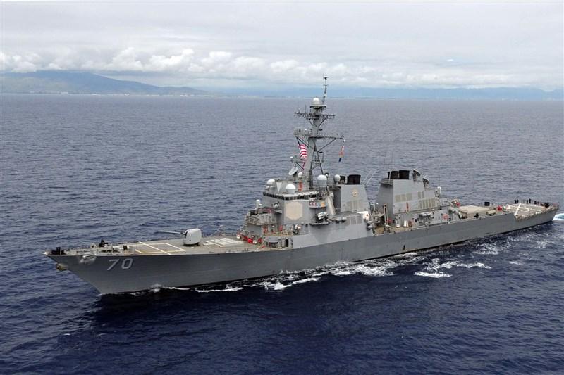 面對美中台複雜微妙的三角關係,美國該走向戰略清晰還是維持戰略模糊的難題,近來讓華府兩方專家爭論不休。圖為美國海軍導向飛彈驅逐艦哈伯號。(圖取自美軍太平洋艦隊網頁cpf.navy.mil)