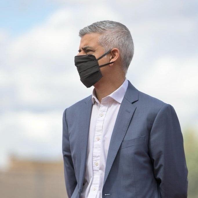 倫敦首位穆斯林市長、工黨籍沙迪克汗(圖)8日擊敗保守黨對手贏得連任。(圖取自facebook.com/sadiqforlondon)