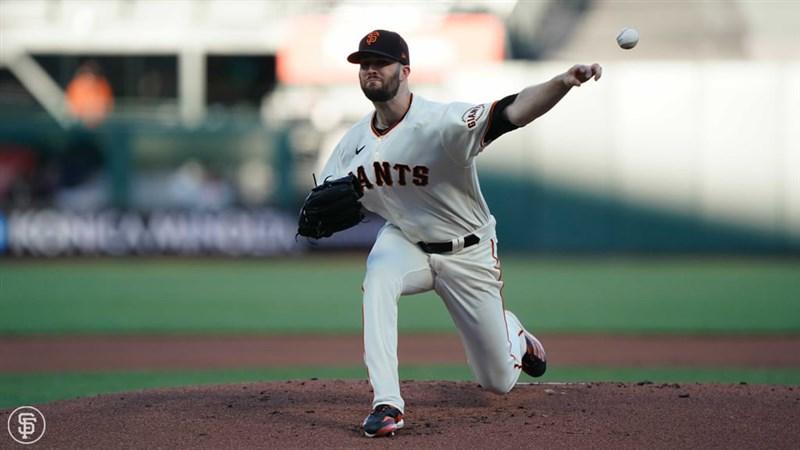 國職棒大聯盟MLB舊金山巨人10日以3比1擊敗德州遊騎兵,先發投手伍德主投7局僅丟1分,並拿下個人本季第4勝。(圖取自facebook.com/Giants)