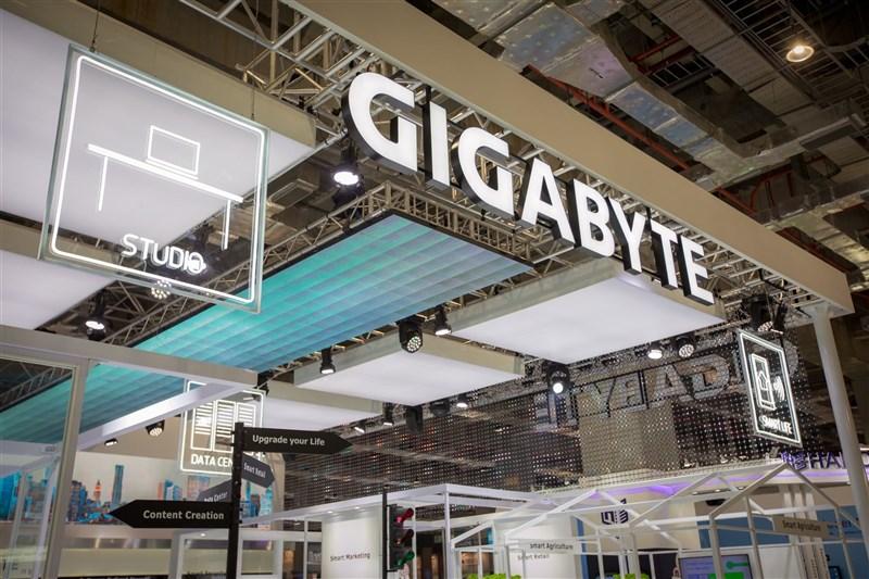 主機板大廠技嘉科技在中國發布筆電廣告稱「中國代工低成本、低質量」,11日隨即引發抵制,中國電商平台相繼將其產品下架。(圖取自facebook.com/GIGABYTEofficial)