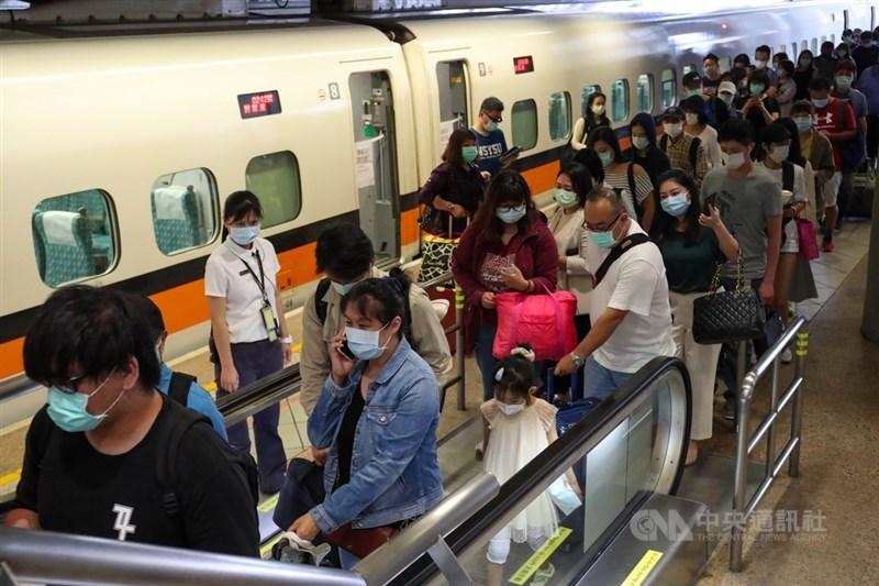 配合中央流行疫情指揮中心防疫升級,台灣高鐵公司5月15日至6月8日暫停自由座。(中央社檔案照片)