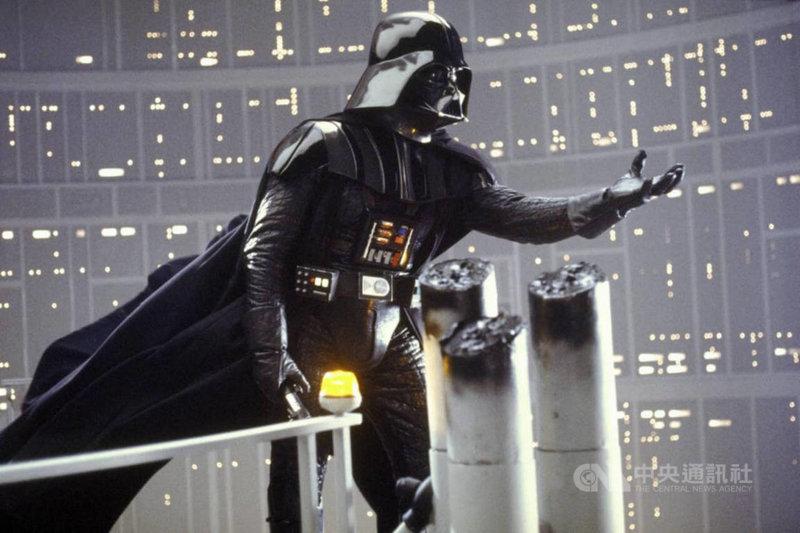 防疫宅在家,串流影音平台CATCHPLAY+整理出15部IMDb必看電影神作,「星際大戰」系列也在片單中。(CATCHPLAY提供)中央社記者葉冠吟傳真  110年5月18日
