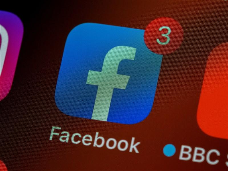 外傳臉書可能透過用戶裝置的麥克風來錄製及分析對話,臉書公共政策團隊總監沙特菲德18日否認此事。(圖取自Unsplash圖庫)