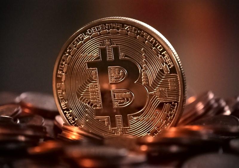 投資比特幣及其他數位貨幣依舊是一項冒險遊戲。法新社報導,美國數名主要的金融鉅子正保持觀望,然而已有愈來愈多人正謹慎踏入逐漸茁壯的加密資產世界。(圖取自Pixabay圖庫)