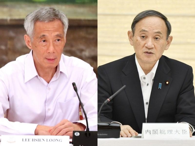 新加坡總理李顯龍(左)與日本首相菅義偉(右)25日進行電話會談。李顯龍表示,擬將完全廢除福島核災後新加坡對日本食品的進口管制,菅義偉對此表達歡迎。(左圖取自twitter.com/leehsienloong,右圖為共同社)