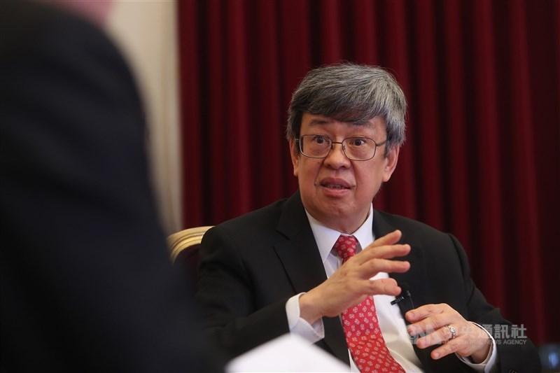 前副總統陳建仁表示,4月20日以後確診病例中很多是本土感染的中、老年人,這是最近致死率大幅增加的主要原因。(中央社檔案照片)
