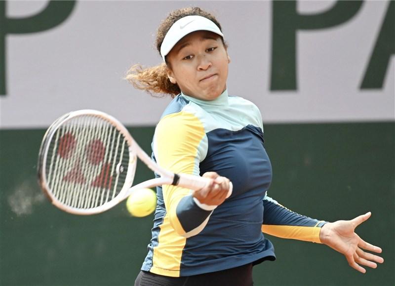 日本網球女將大坂直美31日宣布退出法國網球公開賽。(共同社)