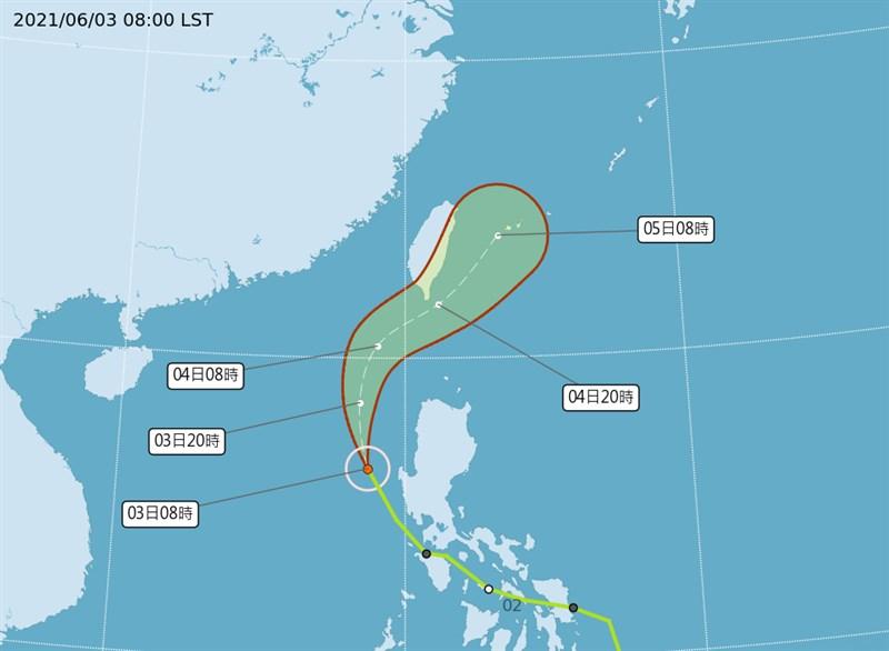 中央氣象局3日上午8時的預測圖顯示,4日颱風彩雲朝台灣南部移動。(圖取自中央氣象局網頁cwb.gov.tw)