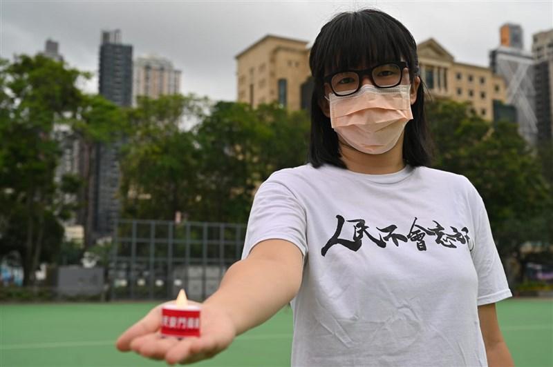 香港支聯會副主席鄒幸彤(圖)30日被警方逮捕後透過律師表示,希望大家七一可以堅持發聲。(圖取自facebook.com/tonyeechowpages)
