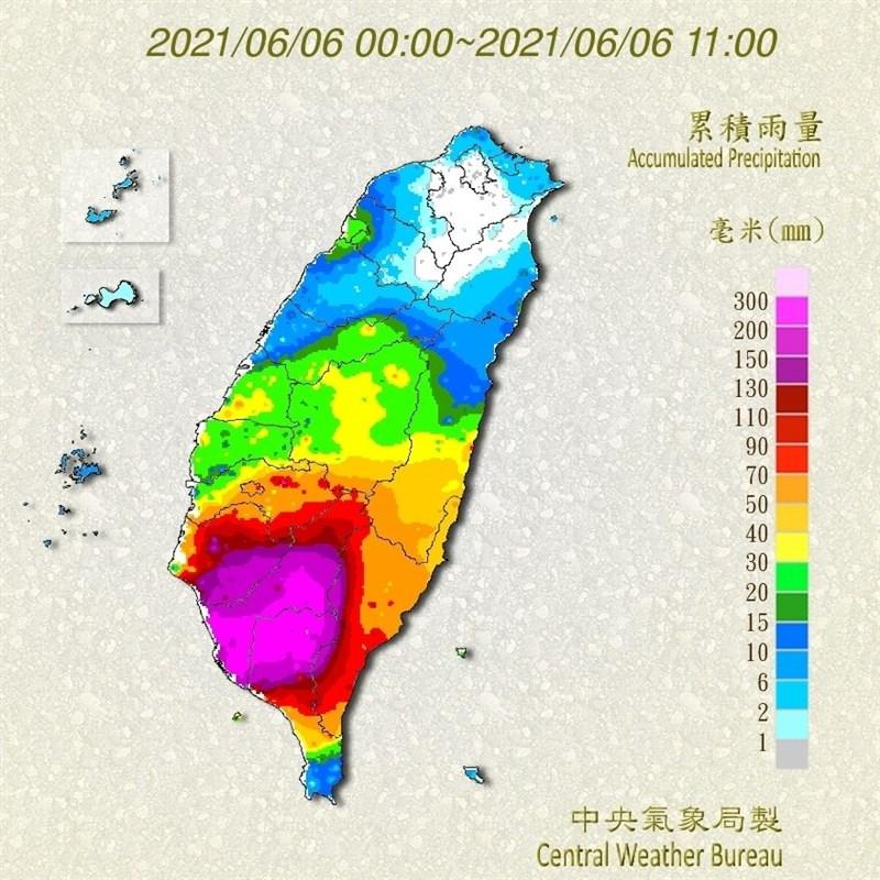 中央氣象局6日表示,5日起滯留鋒面影響至今,累積雨量最多處在台南、高雄、屏東。(圖取自氣象局網頁cwb.gov.tw)