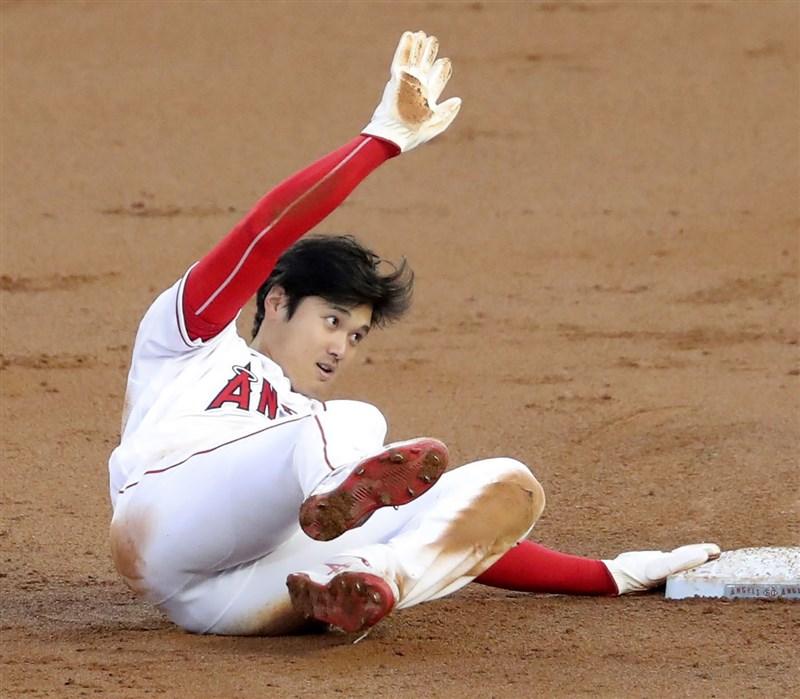 MLB洛杉磯天使7日在主場迎戰堪薩斯皇家,根據天使「二刀流」大谷翔平賽後數據,他生涯兩度單季締造60次三振並有9次盜壘,寫下現代棒球新猷。(共同社)