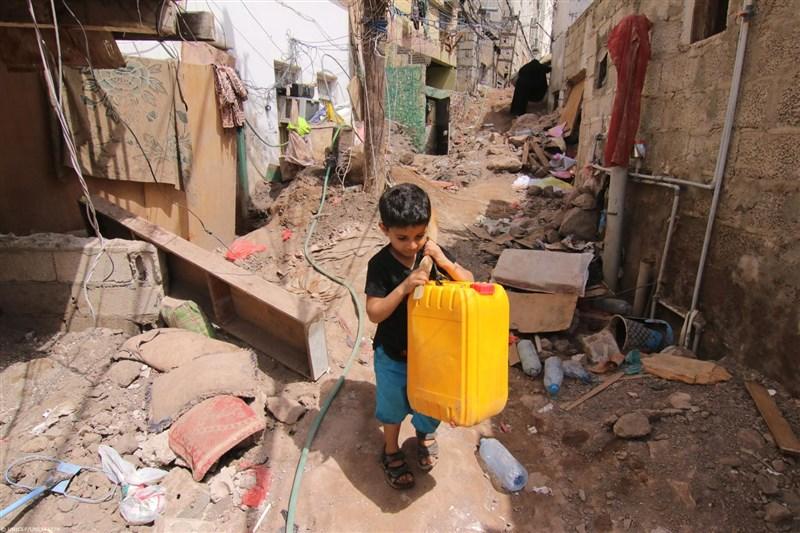 聯合國轄下機構10日表示,全球童工人數20年來首度增長,且疫情使情勢有嚴重惡化的風險。(圖取自facebook.com/unicef)