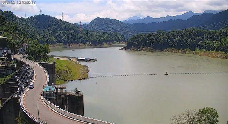 上一波梅雨鋒面後,天氣轉為午後雷陣雨型態,幾日下來,全台幾個主要水庫都獲得挹注。供應大台北地區用水的翡翠水庫已達87%。(北水局提供)