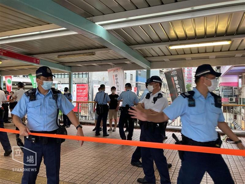 12日是香港反送中「612」遊行2週年,港警下午4時許在銅鑼灣部分區域劃封鎖區高度戒備。(圖取自立場新聞)