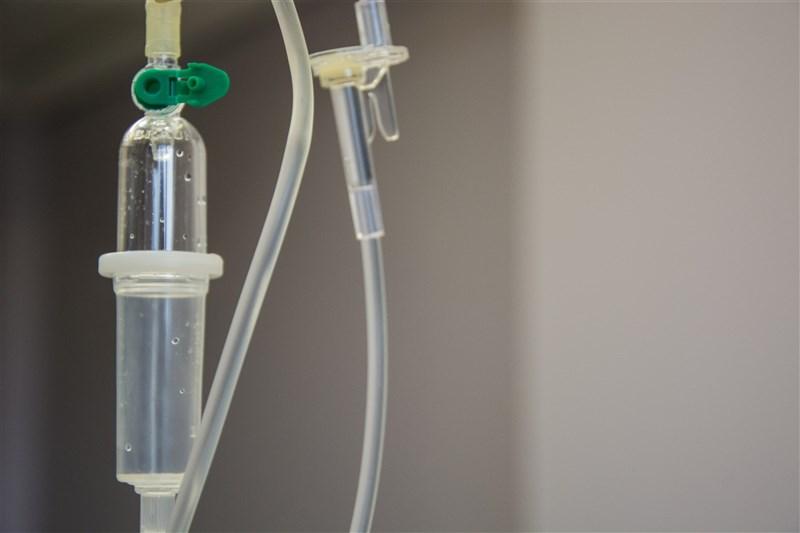 中央流行疫情指揮中心宣布,國內新增26名死亡個案,截至13日累積437人因武漢肺炎病逝。(示意圖/圖取自Unsplash圖庫)