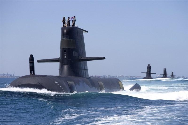 「澳洲人報」披露,指澳洲安全情報組織警告澳、中合作的研究計畫所搜集的數據,可能被中國軍方用來追蹤澳洲潛水艇。圖為澳洲海軍柯林斯級潛艇。(圖取自澳洲皇家海軍網頁navy.gov.au)