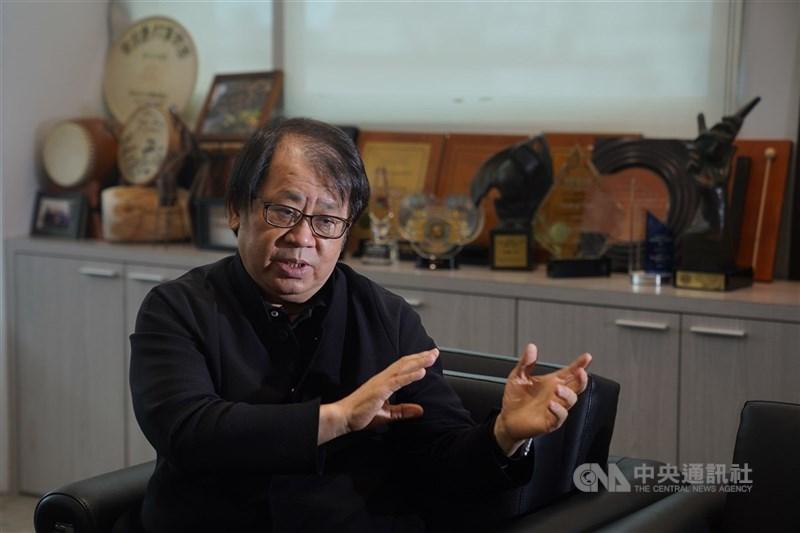 朱宗慶打擊樂團在疫情期間成立官方社群平台、持續推出新影片,在數位時代不缺席。圖為擊樂名家朱宗慶。(中央社檔案照片)