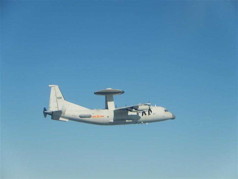空軍15日發布共機動態,2架空警500等28架共機侵擾台灣西南防空識別區(ADIZ)。圖為共軍空警500同型機。(圖取自國防部網頁mnd.gov.tw)
