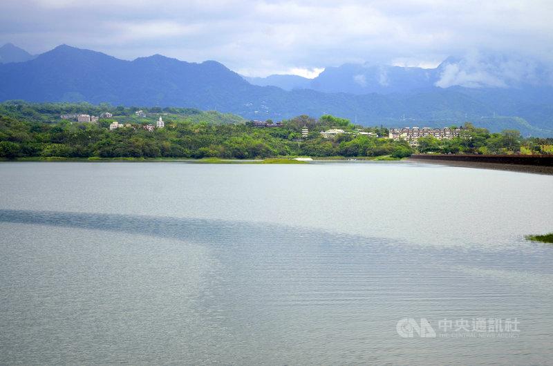 近日持續降雨,依據南區水資局資料,16日嘉義仁義潭有效蓄水率74%,高於去年同期。中央社記者蔡智明攝 110年6月16日