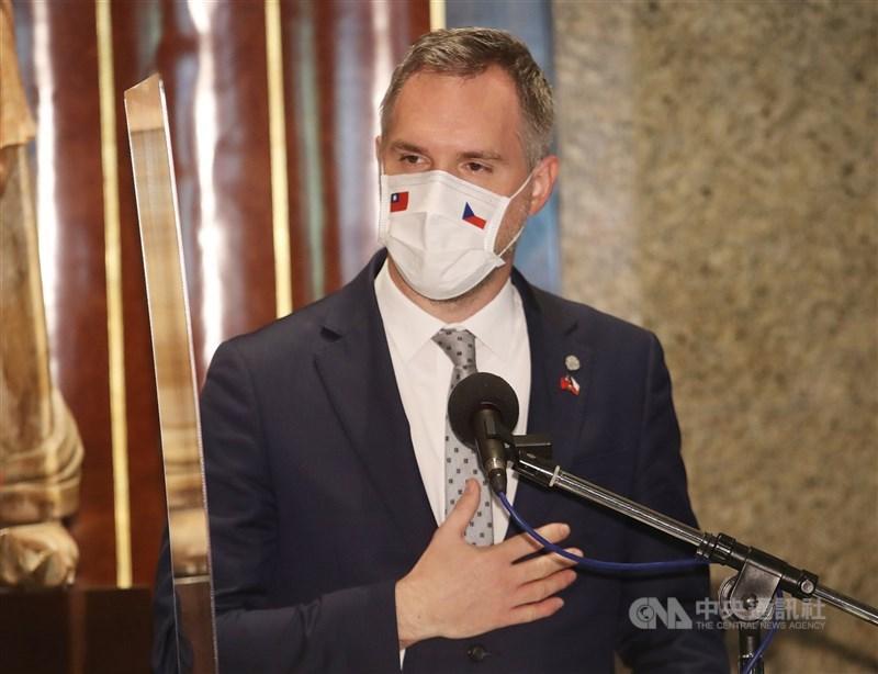捷克布拉格市長賀瑞普表示,過去捷克為疫情所苦時台灣出手協助,因此他敦促捷克政府向台灣運送疫苗。(中央社檔案照片)