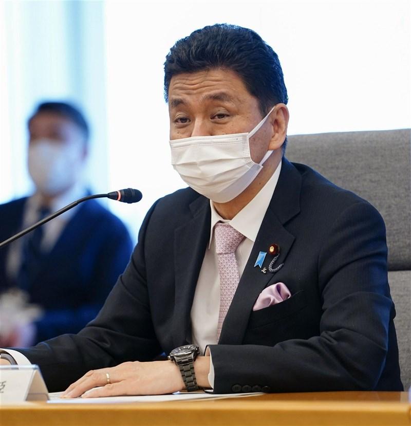 英國 「金融時報」報導,日本防衛大臣岸信夫呼籲國際社會更關注「台灣的生存」,並警告中國不斷擴大的軍力正在包夾台灣。(共同社)