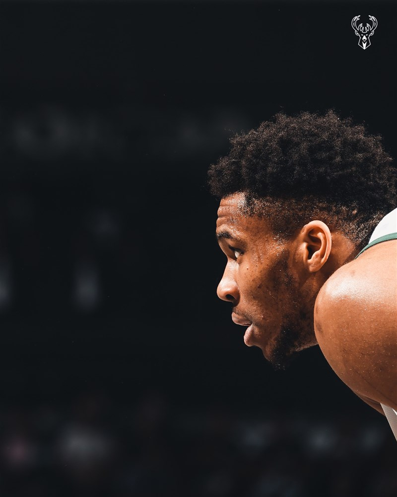 NBA15日公布年度最佳陣容,安特托昆博(圖)以滿分500分獲選為年度第1隊成員。(圖取自twitter.com/Bucks)