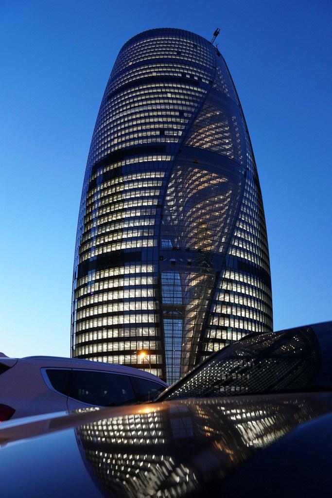 外媒引述知情人士稱,黑石(Blackstone)集團將以近30億美元(約新台幣830億元)收購中國地產開發商SOHO中國。圖為SOHO中國旗下,位於北京的「麗澤SOHO 」。(中新社提供)中央社 110年6月16日