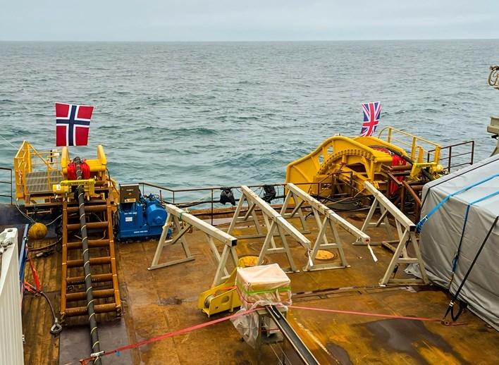 挪威電網營運商Statnett 15日宣布,英國和挪威已完成全世界最長海底電力電纜的舖設工程。(圖取自Statnett網頁statnett.no)