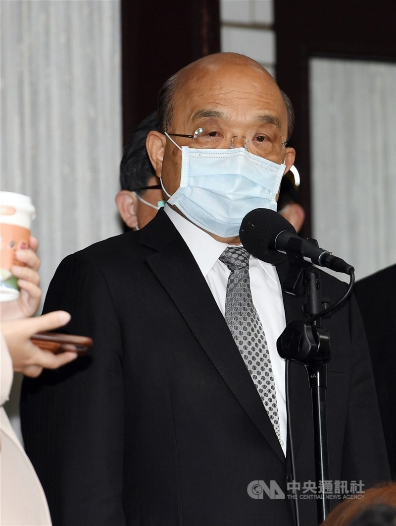 行政院長蘇貞昌17日表示,民眾對防疫團隊的抗疫作為批評許多,將認真檢討改進。(中央社檔案照片)