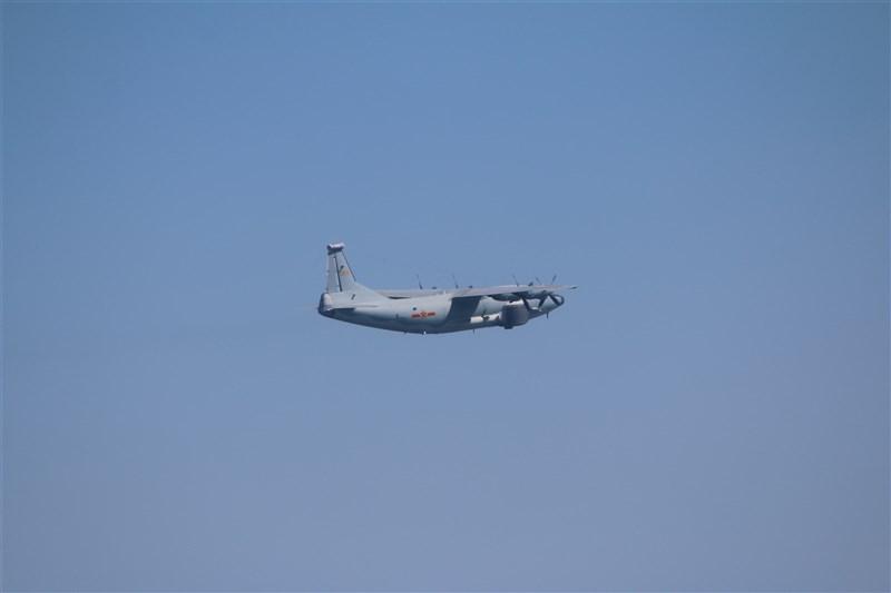 空軍17日發布共機動態,7架共機侵擾台灣西南防空識別區(ADIZ)。圖為運8遠干機同型機。(圖取自國防部網頁mnd.gov.tw)