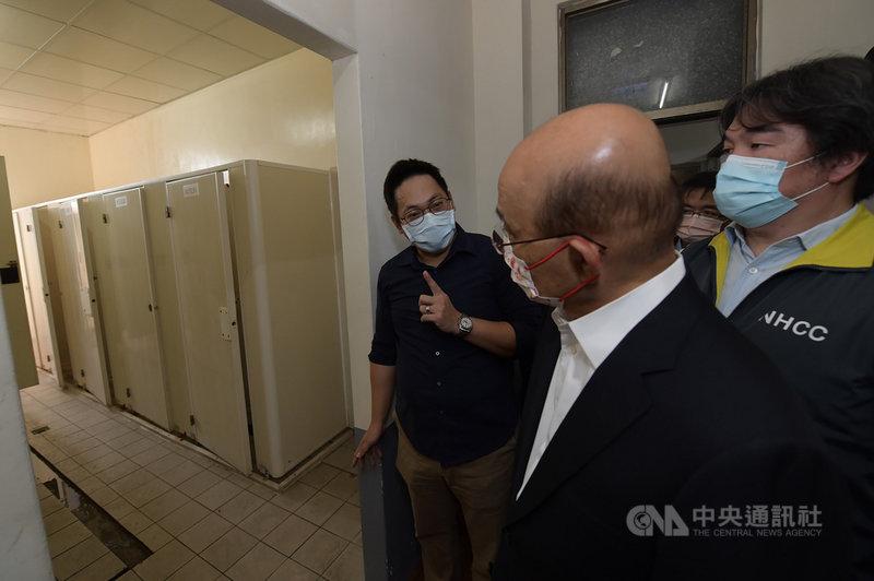 行政院長蘇貞昌(右2)19日視察苗栗電子廠防疫加強作為。(行政院提供)中央社記者賴于榛傳真 110年6 月19日