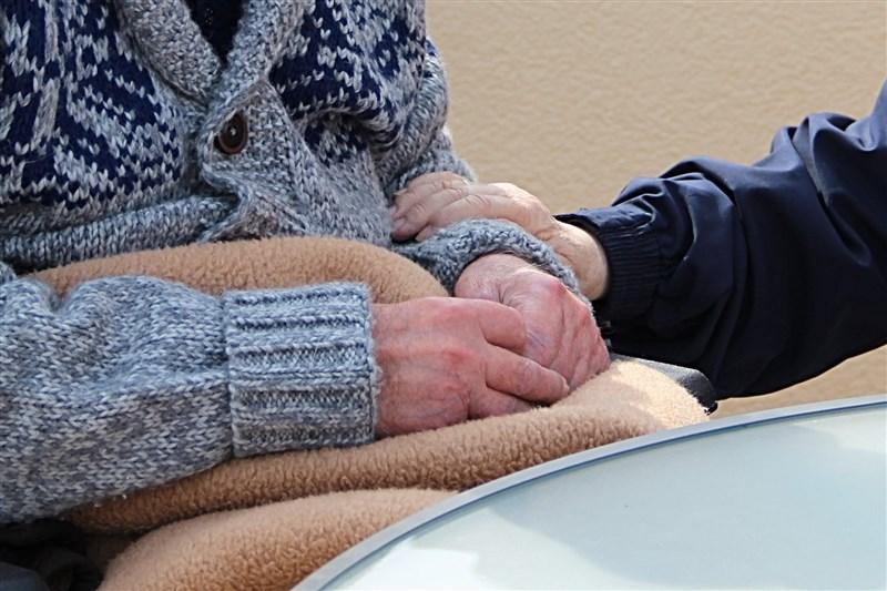 士林區某護理之家爆發武漢肺炎群聚案,北市衛生局表示,從8日至今已47人確診,包含31名住民、16名工作人員,其中有3人已病逝。(圖取自Pixabay圖庫)