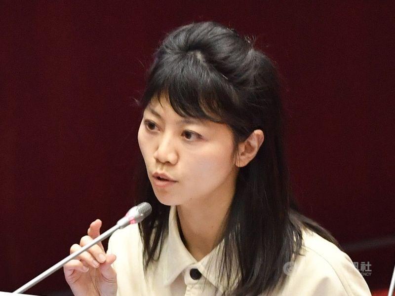 民進黨立委高嘉瑜捲入小禾馨診所施打疫苗風波,她22日說,從未踏進禾馨診所或接受支持,如果有,可以辭去立委。(中央社檔案照片)