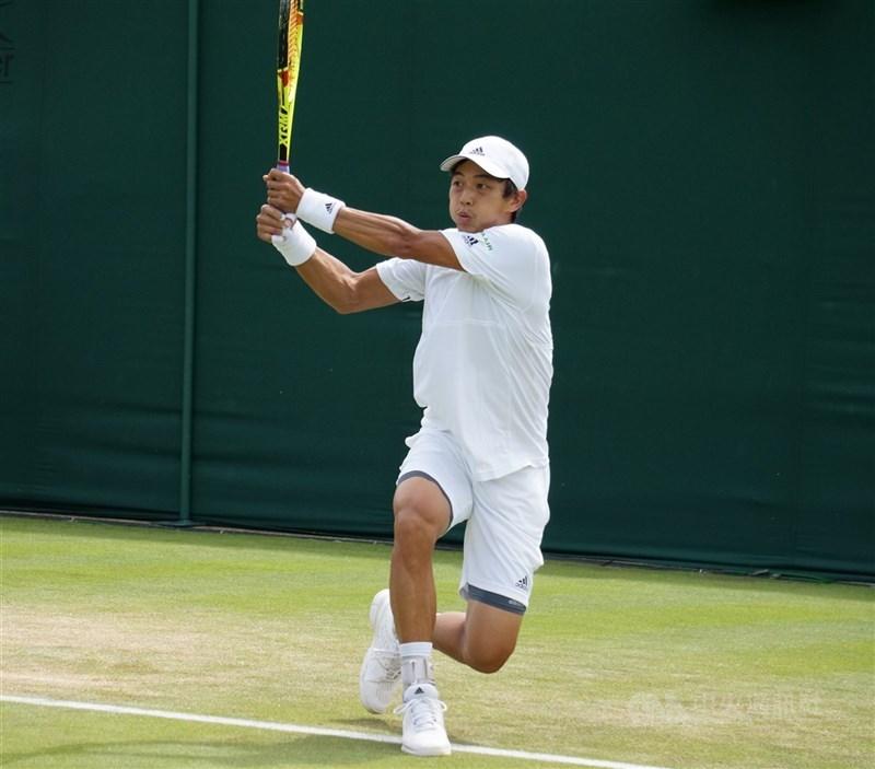 台灣網球好手盧彥勳(圖)確定取得奧運參賽資格,並選擇與莊吉生搭檔,報名奧運男雙項目。(中央社檔案照片)
