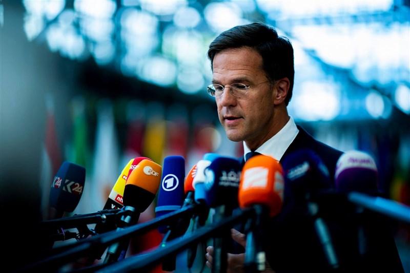 匈牙利通過法案,禁止校園內傳播LGBTQ相關內容,歐盟多國認為此法「恐同」、悖離歐盟價值,荷蘭總理呂特(圖)更直言,匈牙利在歐盟已無立足之地。(圖取自facebook.com/markrutte)