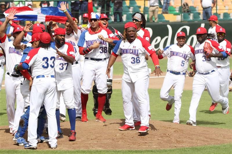 奧運棒球3搶1最終資格賽多明尼加27日擊敗委內瑞拉,搶下奧運棒球最後一張門票。(圖取自twitter.com/WBSC)