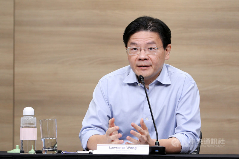 新加坡跨部會抗疫工作小組聯合領導人之一、財政部長黃循財7日表示,12日起放寬餐廳內用人數至最多5人一桌。(新加坡通訊及新聞部提供) 中央社記者侯姿瑩新加坡傳真 110年7月7日