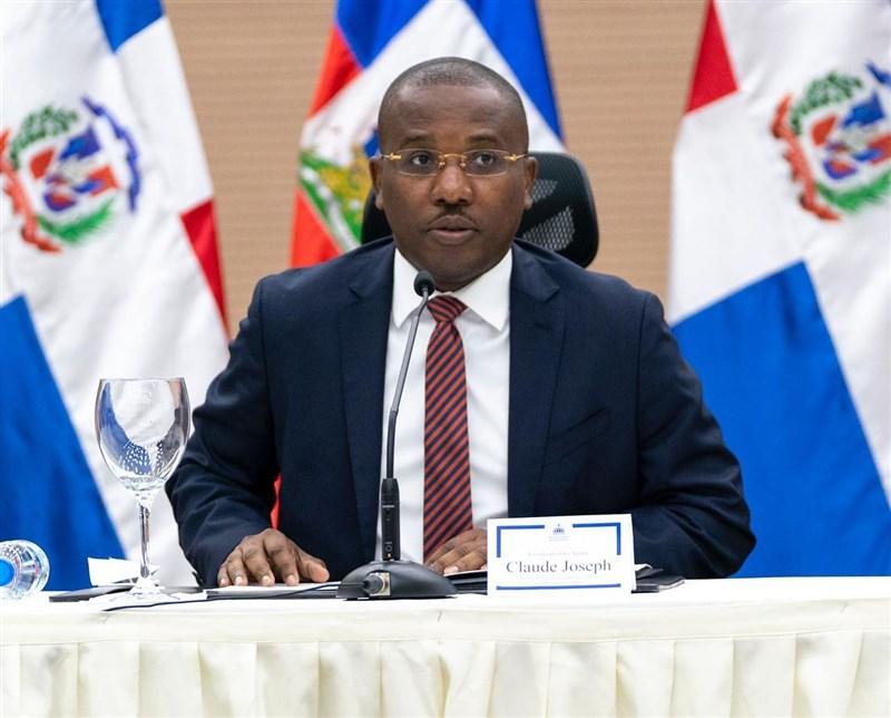 海地總統摩依士7日凌晨在自宅遇刺身亡,臨時總理喬塞德(圖)數小時後宣布,全國進入戒嚴狀態。(圖取自facebook.com/claudejoseph03)