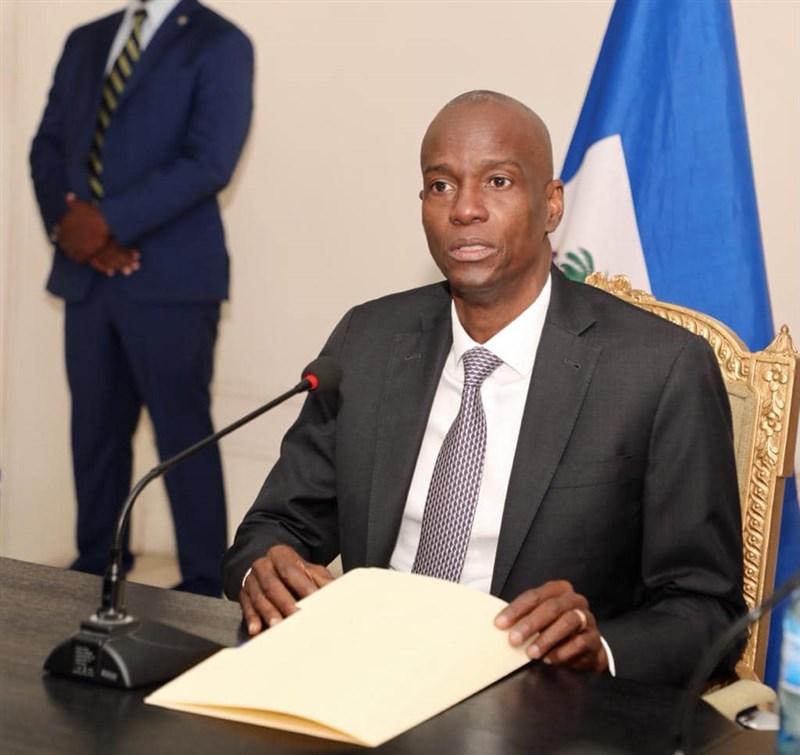 海地警方8日表示,至少28人涉及暗殺總統摩依士。(圖取自facebook.com/jovenelmoise)
