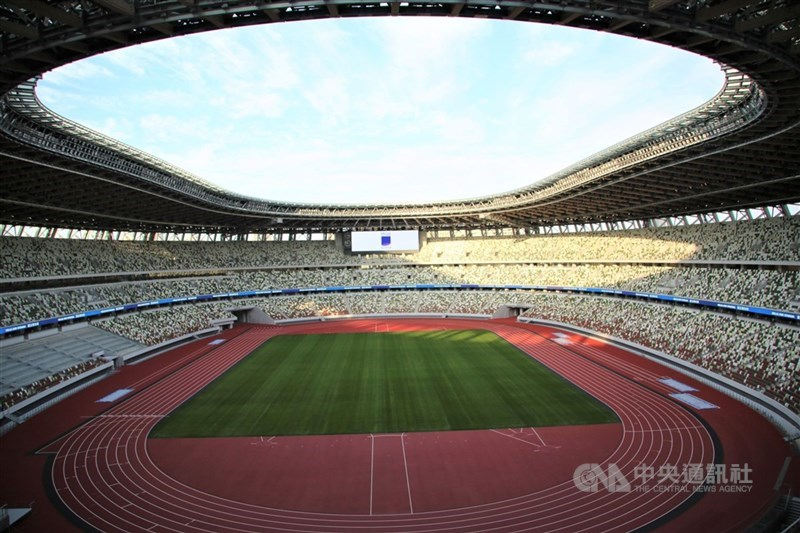 東京奧運7月23日開幕,8日國際奧林匹克委員會(IOC)等召開五方會談決定,東京都及鄰近3縣所有比賽場館採閉門賽。圖為東奧主場館國立競技場2019年12月完工不久照。中央社記者楊明珠東京攝 110年7月8日