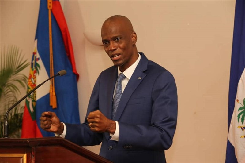 海地總統摩依士(圖)7日在私人宅邸遭數名闖入歹徒槍殺身亡。(圖取自facebook.com/jovenelmoise)