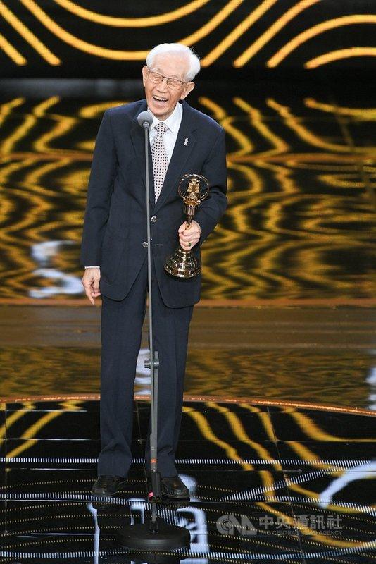 資深演員高振鵬一生奉獻戲劇,曾獲第37屆金鐘獎單元劇男配角獎,並於2018年榮獲第53屆金鐘獎特別貢獻獎。(大愛電視提供)中央社記者葉冠吟傳真 110年7月12日