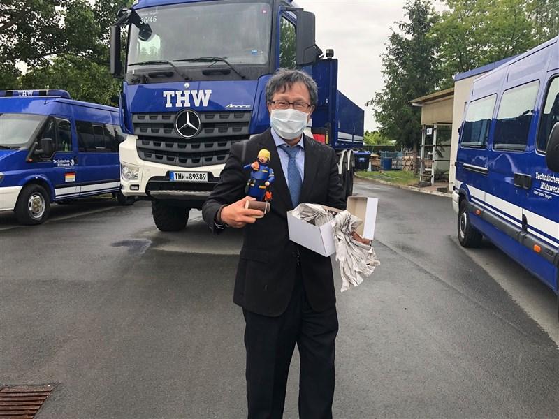 鴻海與台積電成功採購輝瑞BNT疫苗,駐德代表謝志偉(圖)最想感謝一名衛福部疾管署公務員Yuchen。(圖取自facebook.com/taiwan.tv.de)