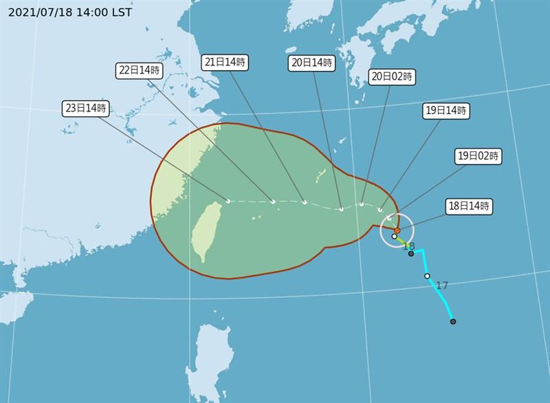氣象局表示,輕颱烟花持續向北北西進行,有可能會在20日上半天升級為中颱,預估21、22日有機會發海、陸上颱風警報。(圖取自中央氣象局網頁cwb.gov.tw)