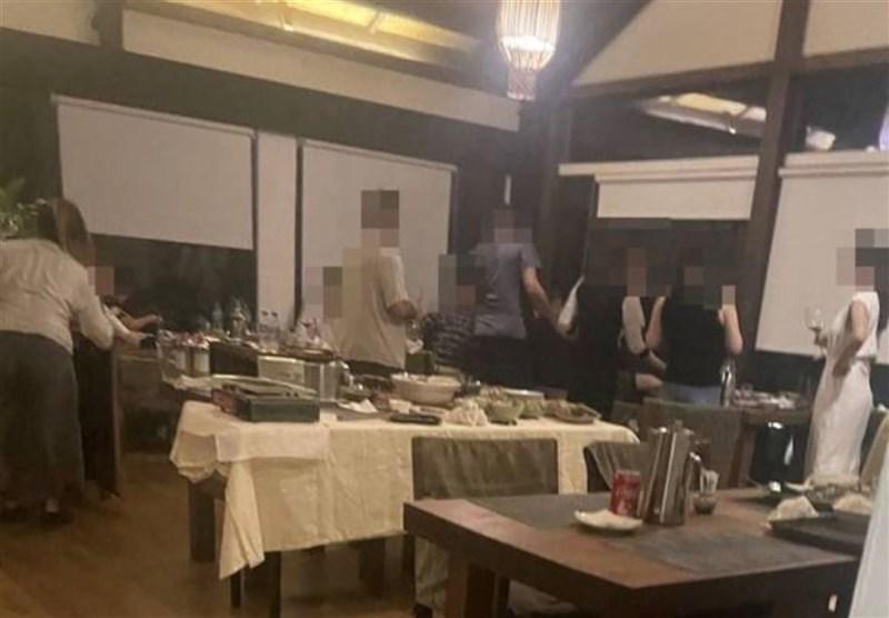 屏東縣牡丹灣Villa餐廳爆出15人違規群聚,據了解,已請辭的行政院南部聯合服務中心執行長陳政聞和妻子也在名單內。(民眾提供)