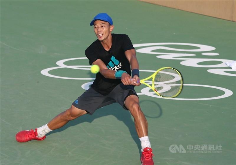 盧彥勳預計今年結束20年職業生涯,從2004年雅典奧運起,他連續取得5屆奧運參賽資格,最佳成績為2008北京奧運打入16強,東京奧運將是他最後一次披上國家隊戰袍。(中央社檔案照片)